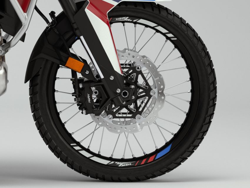 2022 Honda CRF1100L Africa Twin and Africa Twin Adventure Sports updated – rear carrier, lower screen Image #1337176