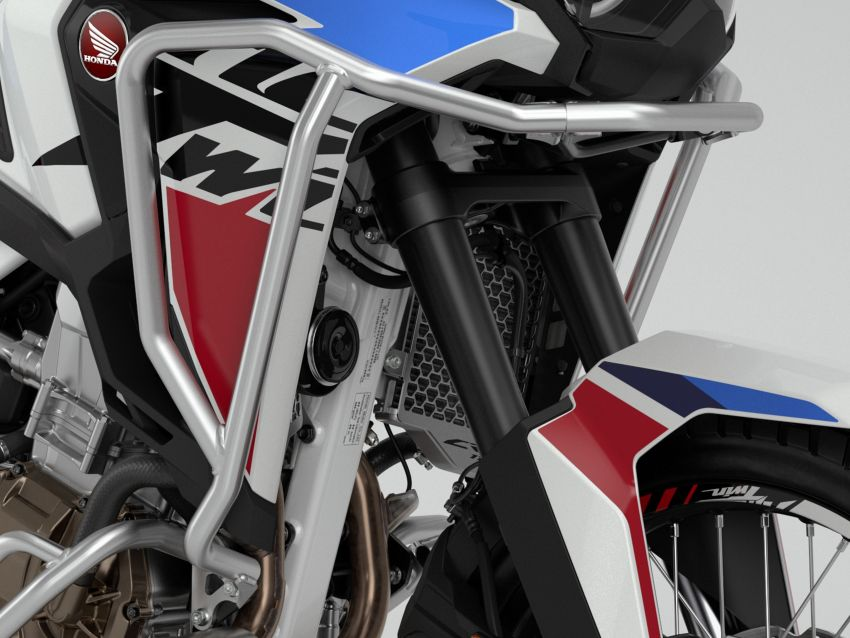2022 Honda CRF1100L Africa Twin and Africa Twin Adventure Sports updated – rear carrier, lower screen Image #1337177