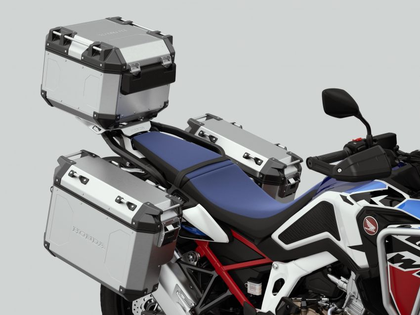 2022 Honda CRF1100L Africa Twin and Africa Twin Adventure Sports updated – rear carrier, lower screen Image #1337179