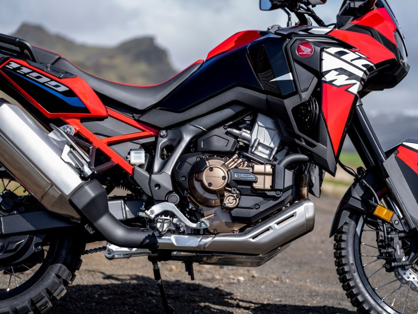 2022 Honda CRF1100L Africa Twin and Africa Twin Adventure Sports updated – rear carrier, lower screen Image #1337188