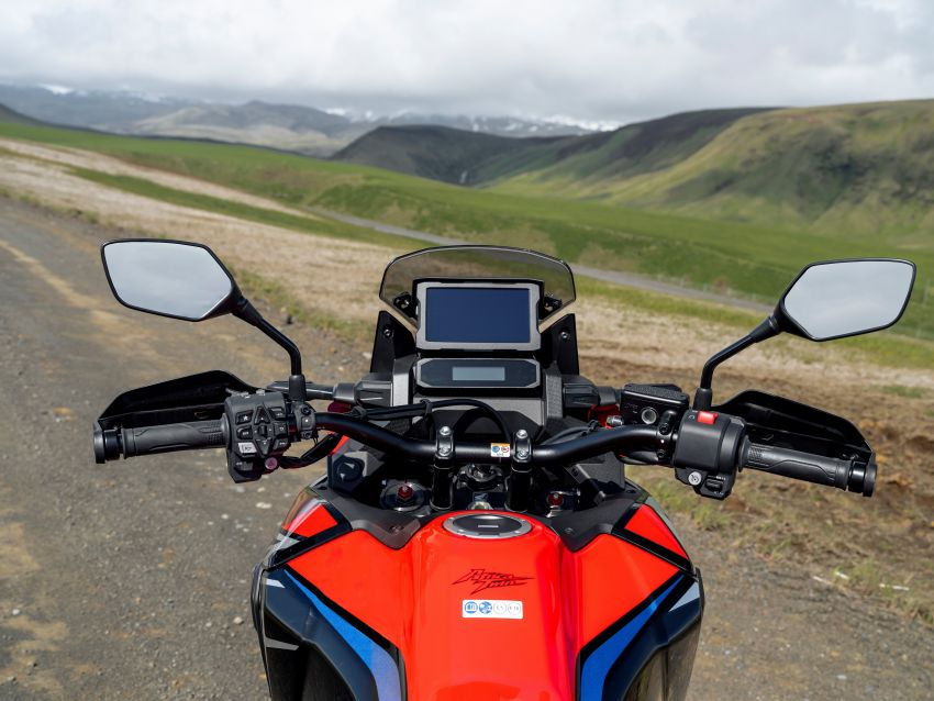 2022 Honda CRF1100L Africa Twin and Africa Twin Adventure Sports updated – rear carrier, lower screen Image #1337190