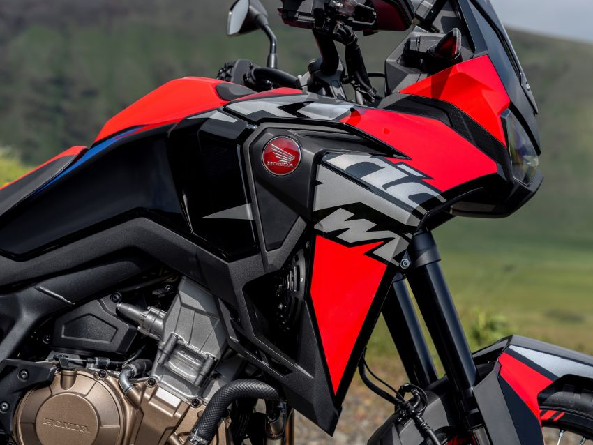 2022 Honda CRF1100L Africa Twin and Africa Twin Adventure Sports updated – rear carrier, lower screen Image #1337172