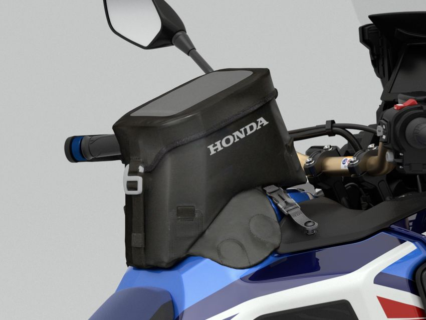 2022 Honda CRF1100L Africa Twin and Africa Twin Adventure Sports updated – rear carrier, lower screen Image #1337220