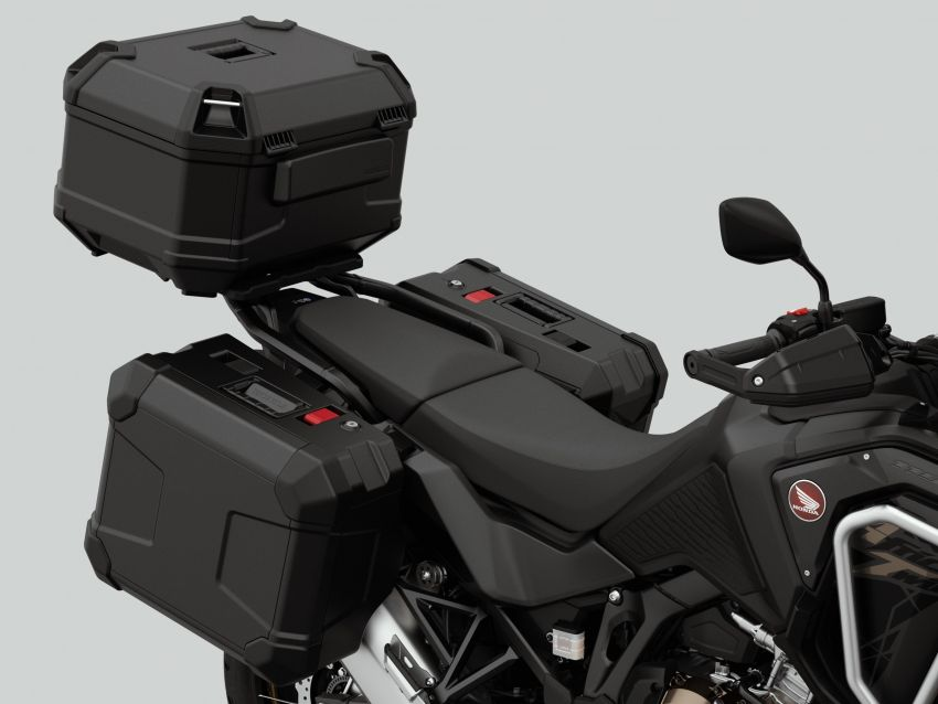 2022 Honda CRF1100L Africa Twin and Africa Twin Adventure Sports updated – rear carrier, lower screen Image #1337221