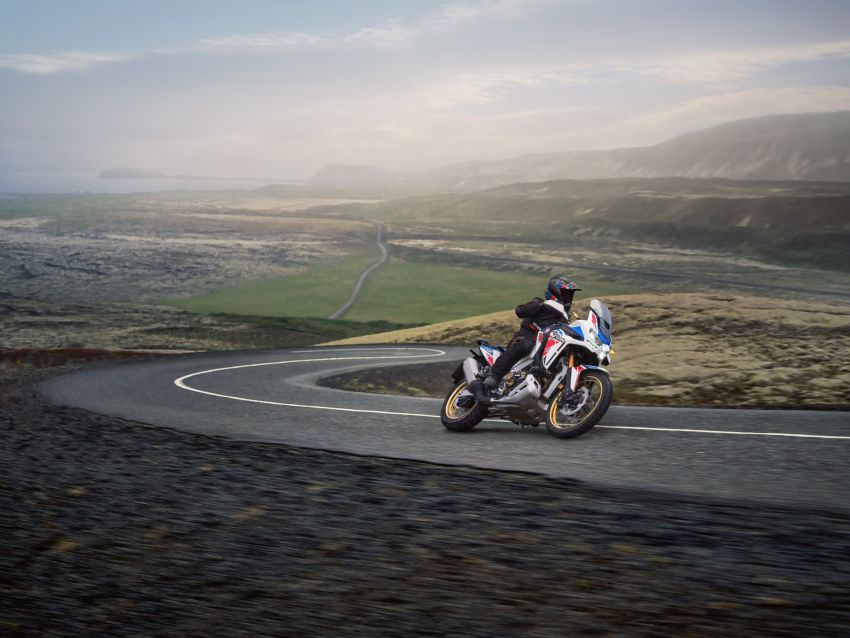 2022 Honda CRF1100L Africa Twin and Africa Twin Adventure Sports updated – rear carrier, lower screen Image #1337200