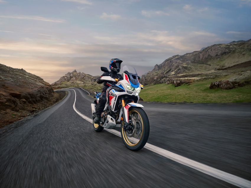 2022 Honda CRF1100L Africa Twin and Africa Twin Adventure Sports updated – rear carrier, lower screen Image #1337202