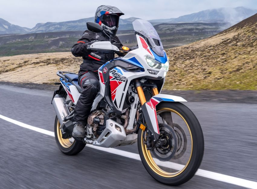 2022 Honda CRF1100L Africa Twin and Africa Twin Adventure Sports updated – rear carrier, lower screen Image #1337203