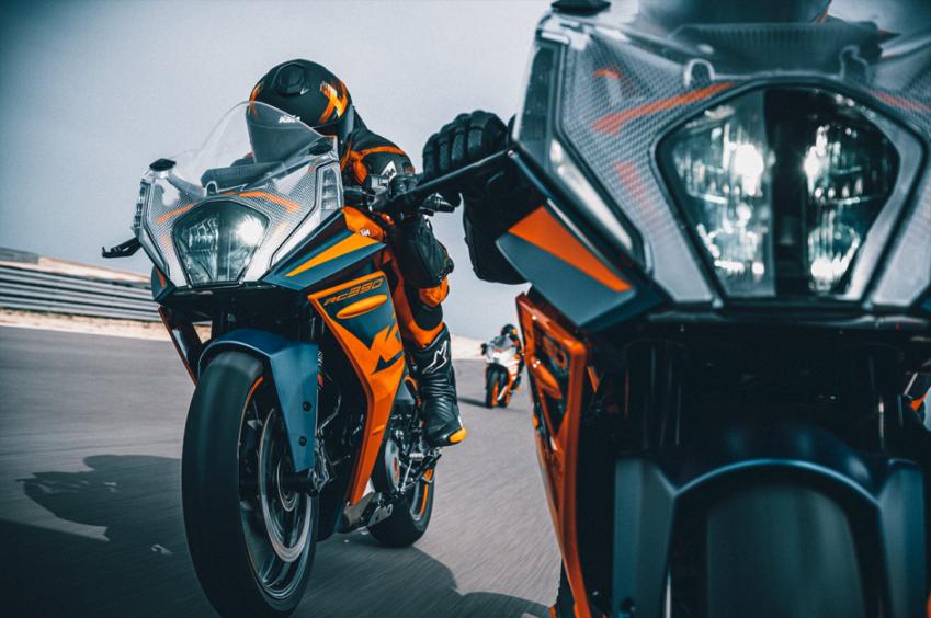 2022 KTM RC390 and RC125 sports bikes return Image #1338032