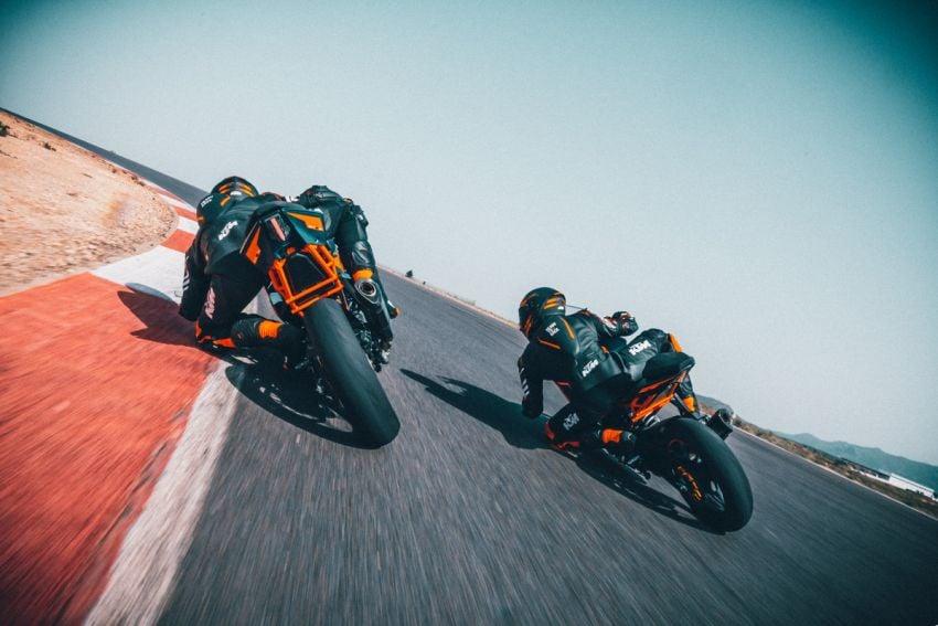 2022 KTM RC390 and RC125 sports bikes return Image #1338010