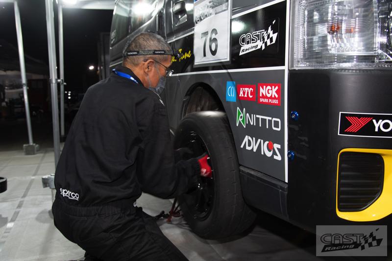 Toyota Hiace H200 Cast Racing – van rali sebenar bertanding dalam Kejuaraan Rali Seluruh Jepun! Image #1333416