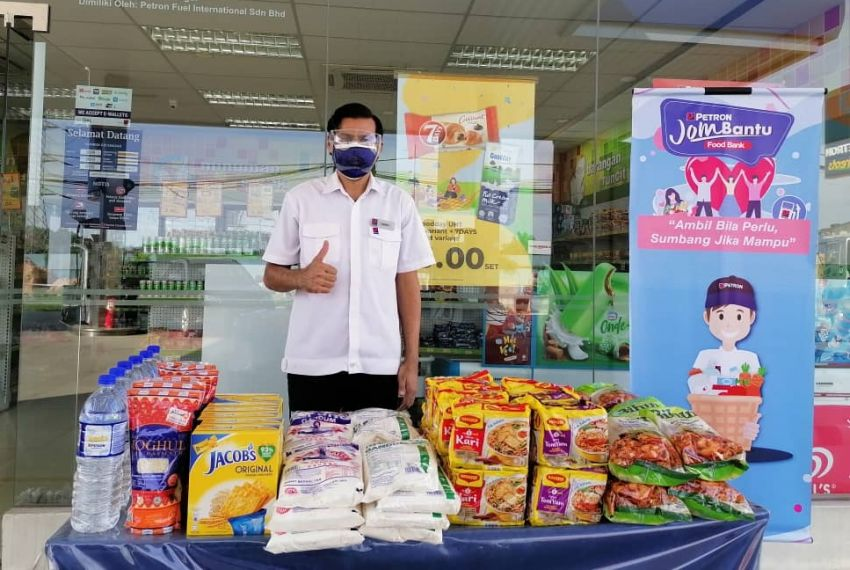 Over 190 Petron service stations across Malaysia set up food banks to assist individuals, families in need Image #1334517
