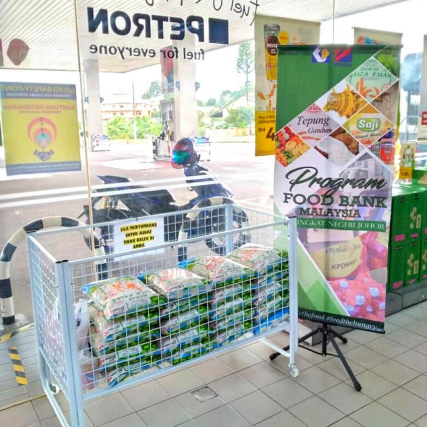 Over 190 Petron service stations across Malaysia set up food banks to assist individuals, families in need Image #1334513