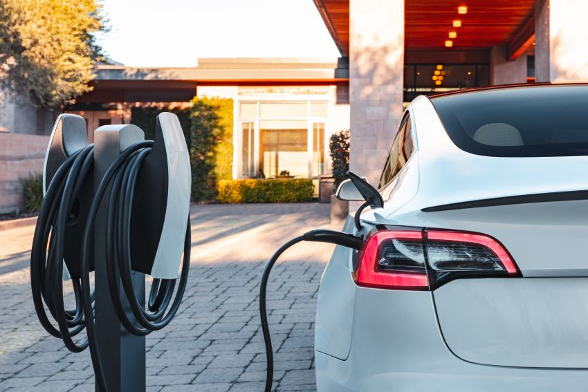 EV survey: owners want free and fast public chargers Image #1334778