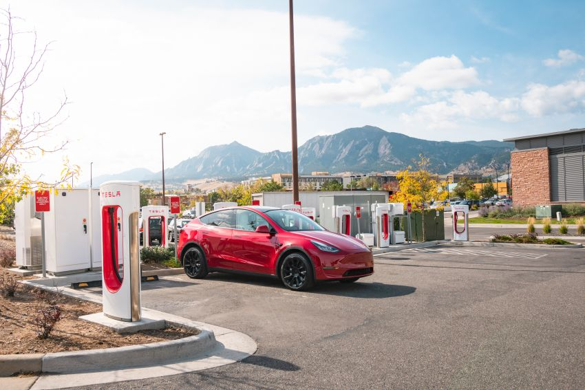EV survey: owners want free and fast public chargers Image #1334795