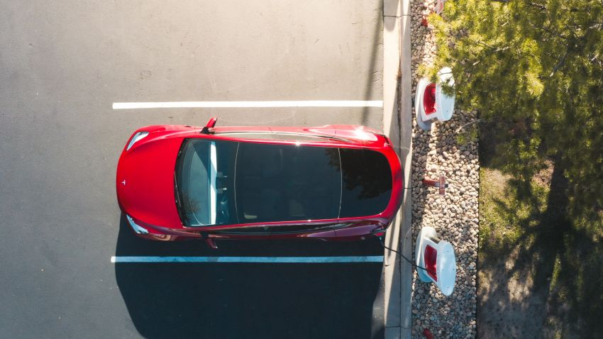 EV survey: owners want free and fast public chargers Image #1334797