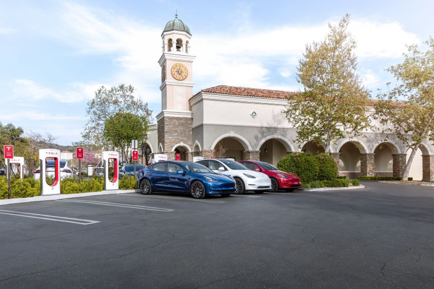 EV survey: owners want free and fast public chargers Image #1334798