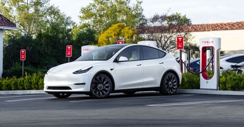EV survey: owners want free and fast public chargers Image #1334800