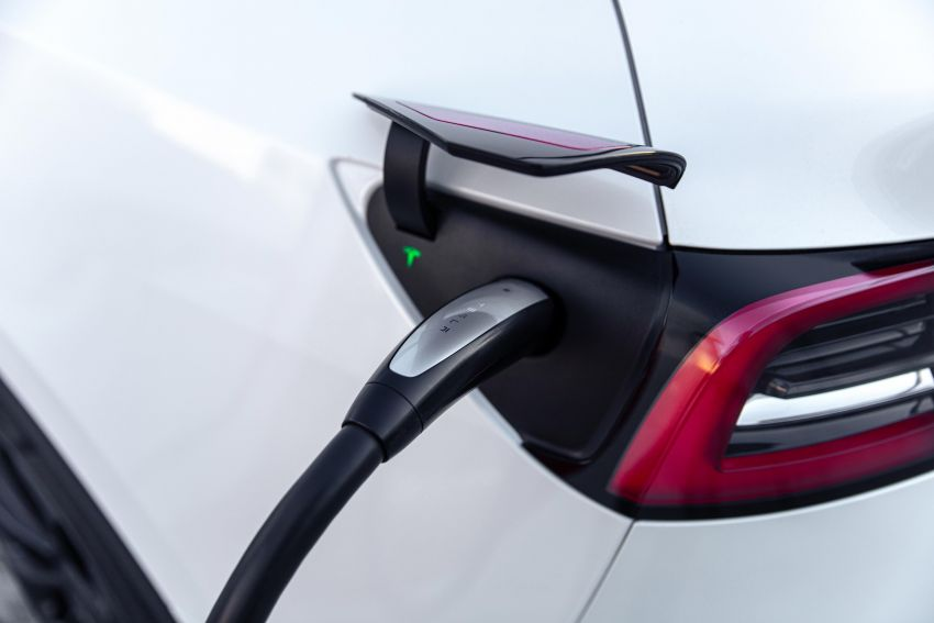 EV survey: owners want free and fast public chargers Image #1334802