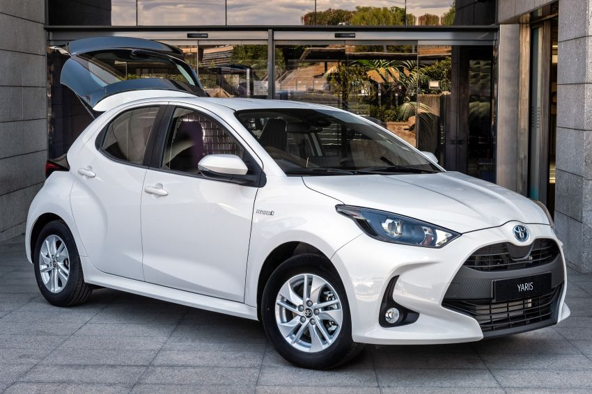 Toyota Yaris ECOVan debuts – hatchback converted into light commercial vehicle; 720 litres of boot space Image #1325449