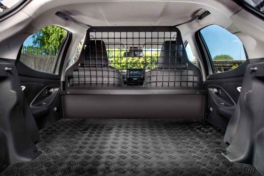 Toyota Yaris ECOVan debuts – hatchback converted into light commercial vehicle; 720 litres of boot space Image #1325451