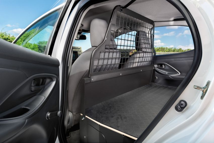 Toyota Yaris ECOVan debuts – hatchback converted into light commercial vehicle; 720 litres of boot space Image #1325452