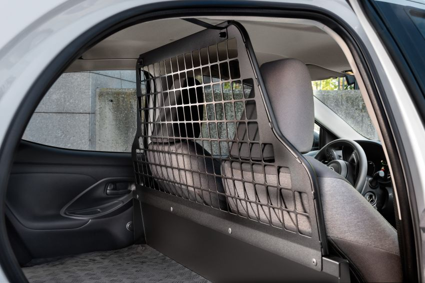 Toyota Yaris ECOVan debuts – hatchback converted into light commercial vehicle; 720 litres of boot space Image #1325453