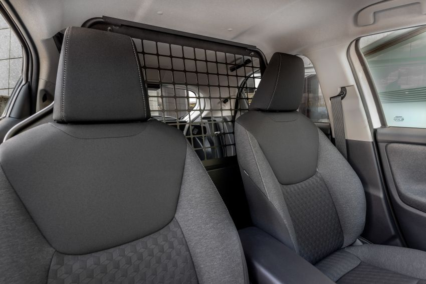 Toyota Yaris ECOVan debuts – hatchback converted into light commercial vehicle; 720 litres of boot space Image #1325455