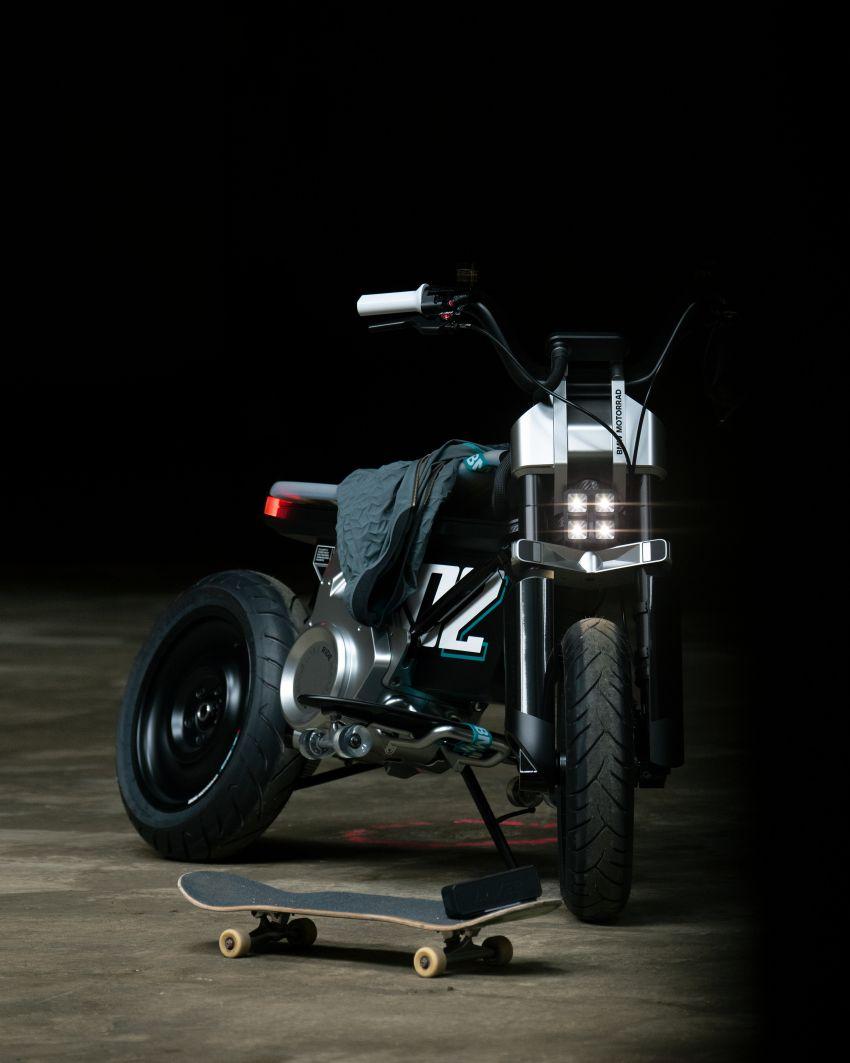 BMW Concept CE02 sedia tunggangan serba ringkas Image #1339121