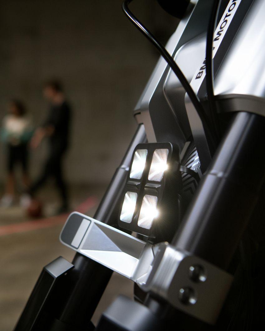 BMW Concept CE02 sedia tunggangan serba ringkas Image #1339111