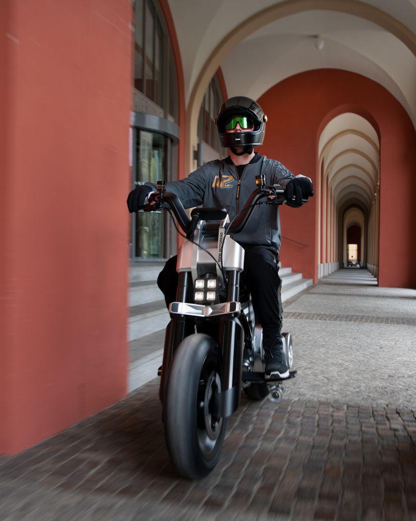 BMW Motorrad Concept CE02 e-scooter revealed Image #1338871
