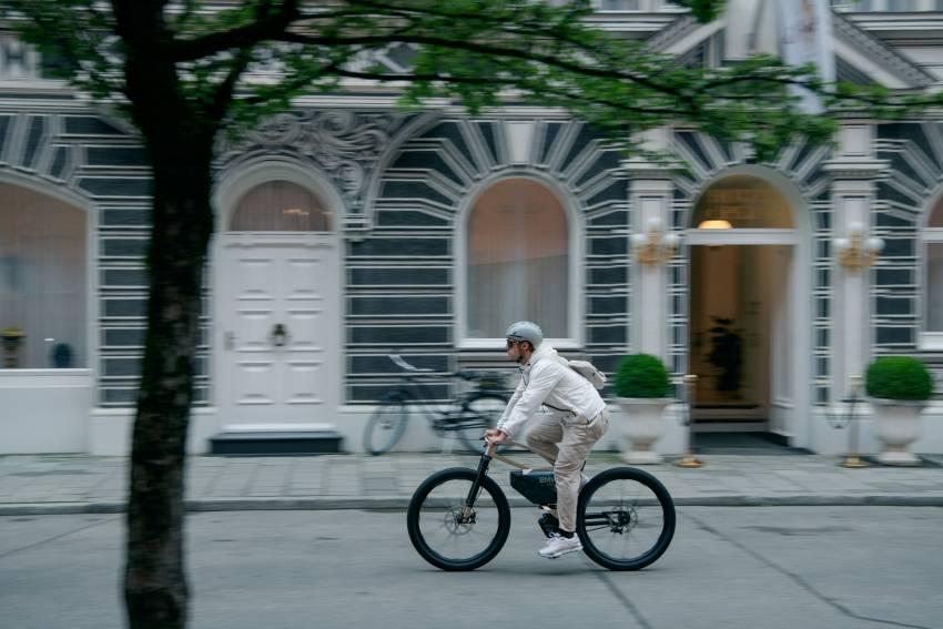 BMW i Vision AMBY, no electric bicycle, it's a pedalec Image #1342546
