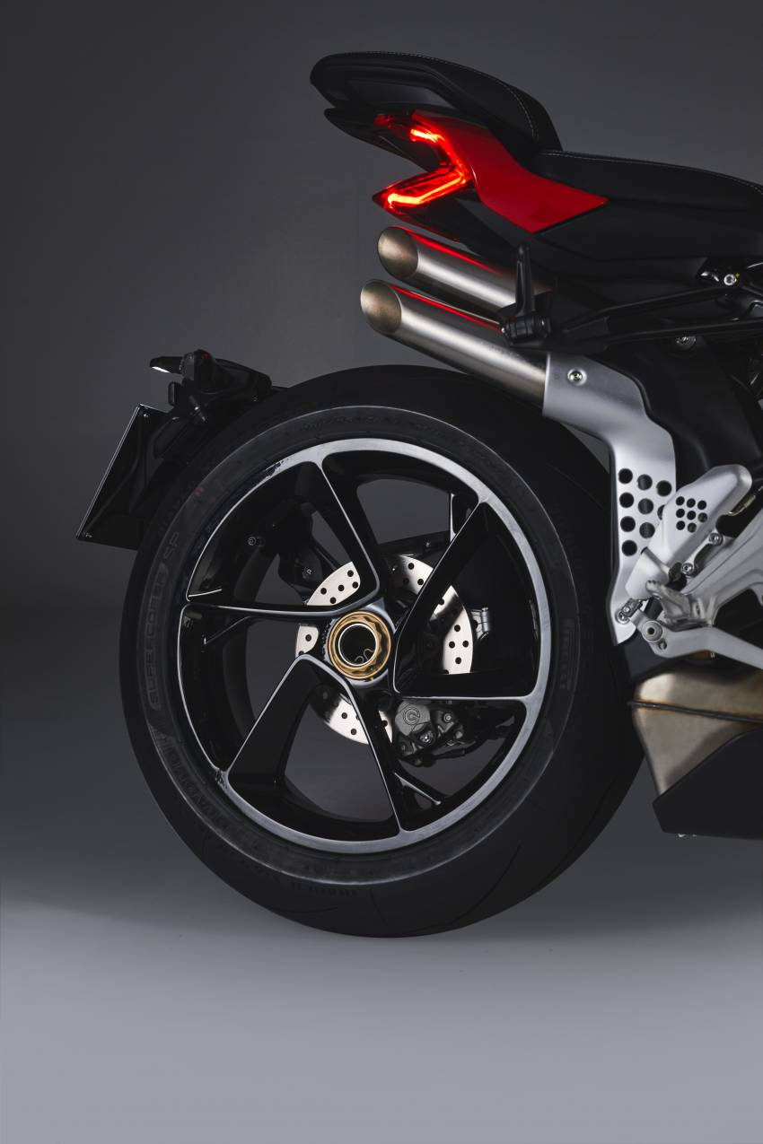 2021 MV Agusta Brutale 1000RS joins 1000RR in lineup Image #1345637