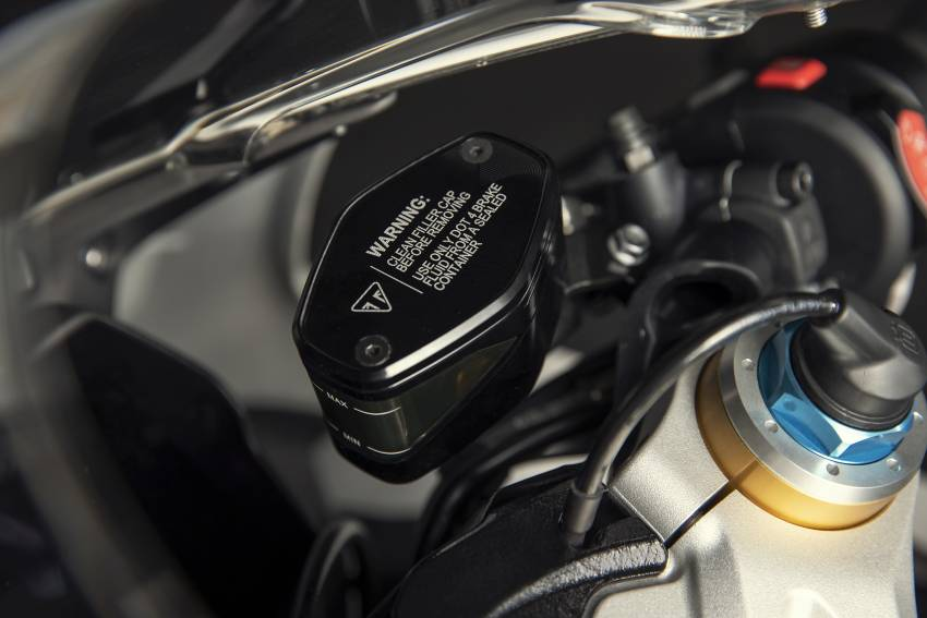 2022 Triumph Speed Triple 1200RR makes world debut Image #1346620