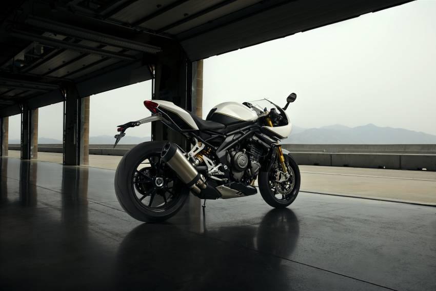 2022 Triumph Speed Triple 1200RR makes world debut Image #1346644