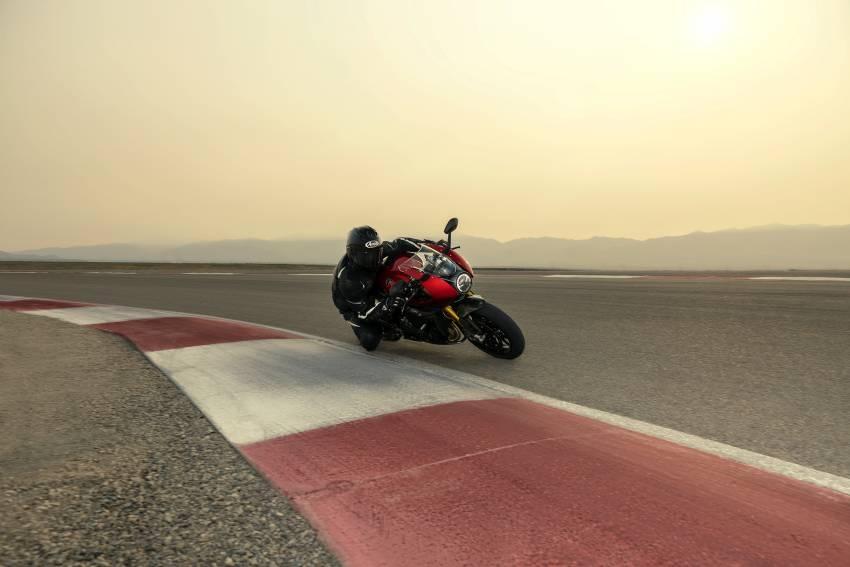 2022 Triumph Speed Triple 1200RR makes world debut Image #1346645