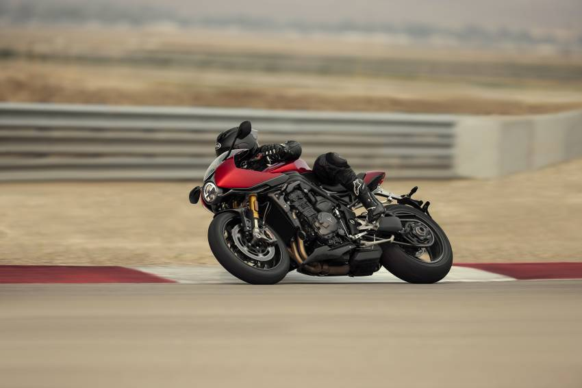2022 Triumph Speed Triple 1200RR makes world debut Image #1346604
