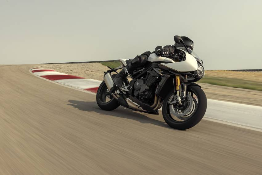 2022 Triumph Speed Triple 1200RR makes world debut Image #1346608