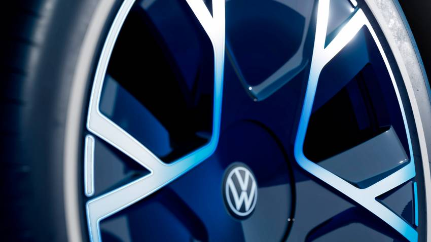 Volkswagen ID. Life concept debuts – entry-level EV with video game console, mini projector; sub-RM100k! Image #1342331