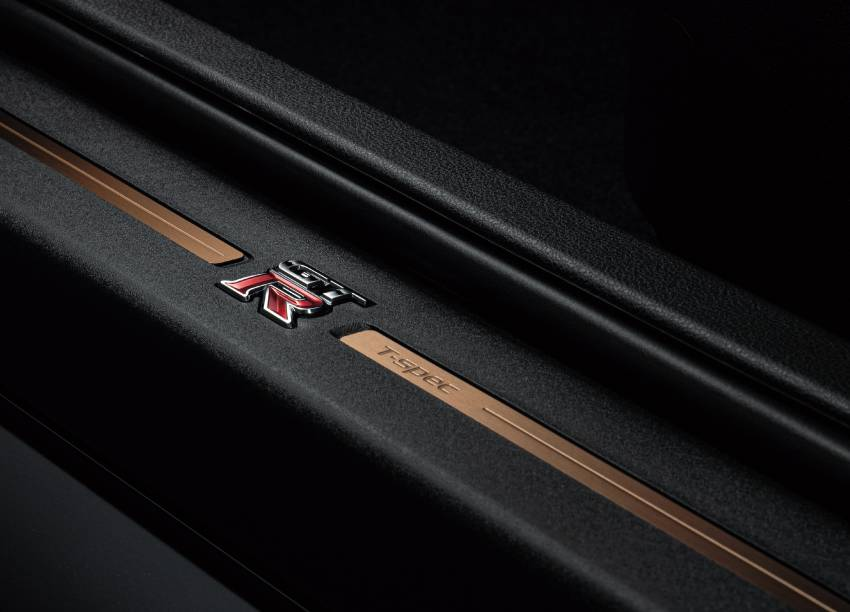 2022 Nissan GT-R T-spec limited editions mark return of iconic Midnight Purple and Millennium Jade colours Image #1346320