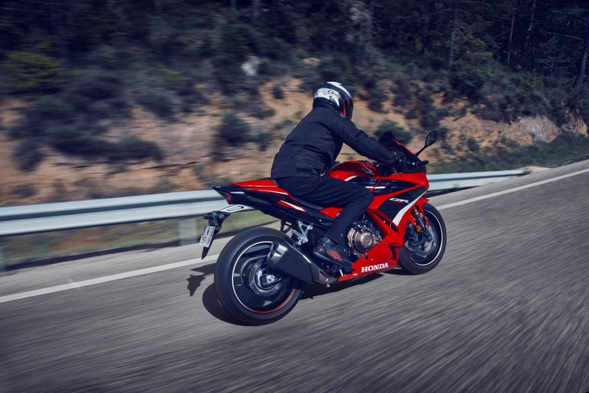 Honda CB500R, CB500F dan CB500X diperbaharui – enjin Euro 5, fork USD Showa, brek cakera berkembar Image #1340607