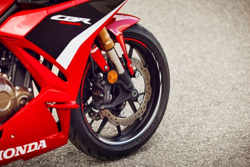 Honda CB500R, CB500F dan CB500X diperbaharui – enjin Euro 5, fork USD Showa, brek cakera berkembar Image #1340602