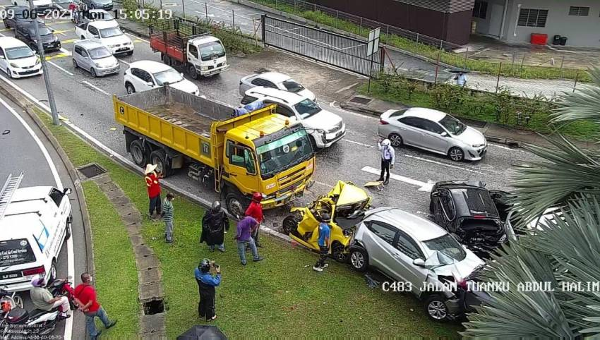 Lorry accidents in Malaysia – do we need stricter inspection, enforcement to keep CVs roadworthy? Image #1343525