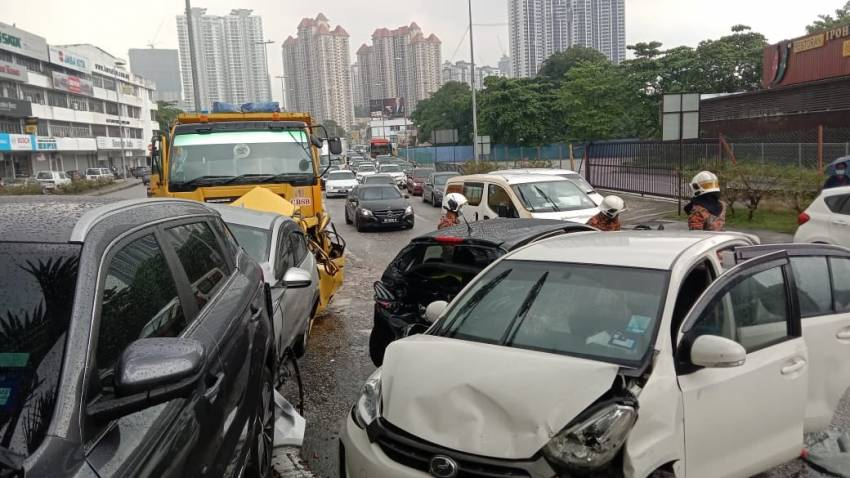 Lorry accidents in Malaysia – do we need stricter inspection, enforcement to keep CVs roadworthy? Image #1343526