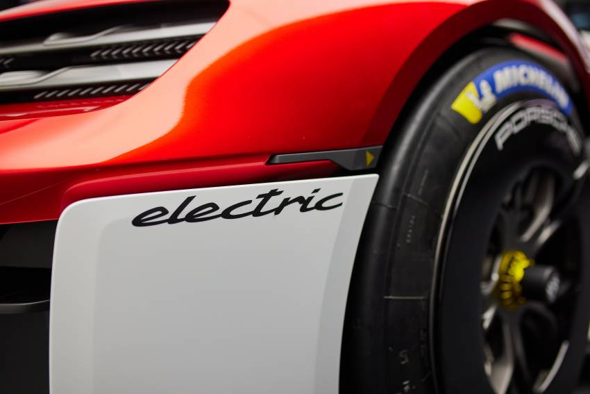 Porsche Mission R – 1,088 PS twin-motor concept with natural fibre bodywork hints at GT racing future Image #1343071
