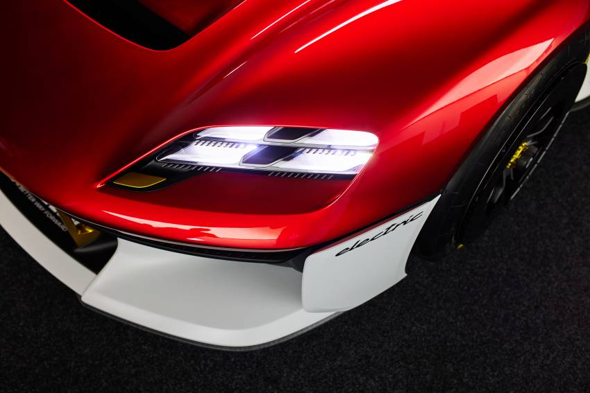 Porsche Mission R – 1,088 PS twin-motor concept with natural fibre bodywork hints at GT racing future Image #1343075