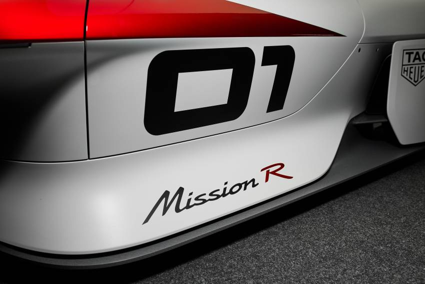 Porsche Mission R – 1,088 PS twin-motor concept with natural fibre bodywork hints at GT racing future Image #1343076