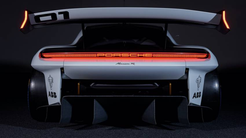 Porsche Mission R – 1,088 PS twin-motor concept with natural fibre bodywork hints at GT racing future Image #1342725