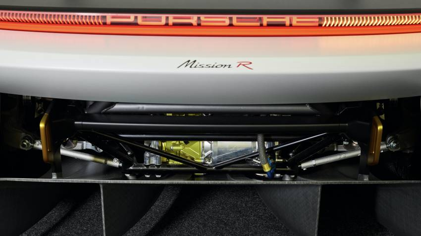 Porsche Mission R – 1,088 PS twin-motor concept with natural fibre bodywork hints at GT racing future Image #1342726