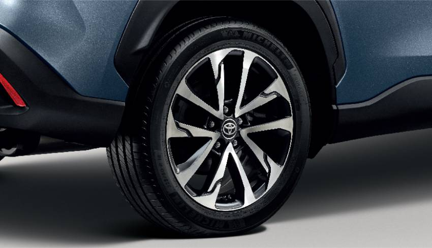 Toyota Corolla Cross Hybrid teased for Malaysia – CKD petrol-electric SUV finally launching October 14? Image #1351778