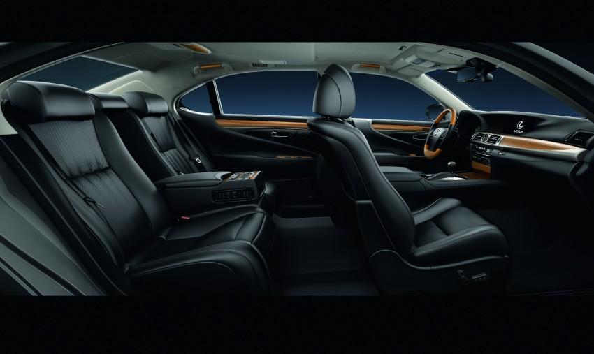 New Lexus LS unveiled, F Sport new addition to range Image #122824